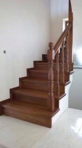 Закрытая деревянная лестница фото_193