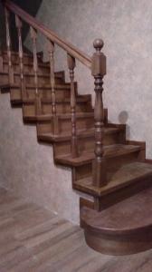 Закрытая деревянная лестница фото_195